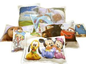 Almofadas personalizadas para festas infantis.