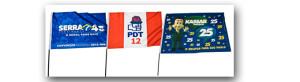 Bandeiras de partidos políticos e sindicatos.