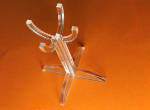 Corte laser em acrílico com colagem
