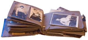 Restauração de álbum fotográfico,antes.