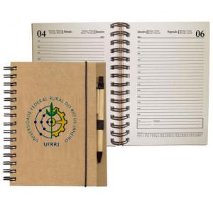 Encadernação de cadernos.