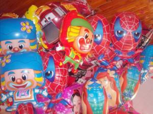Balões metalizados para festas de tido tipo.