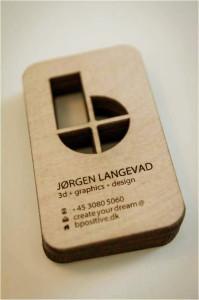 cartão de visita madeira,com corte a laser